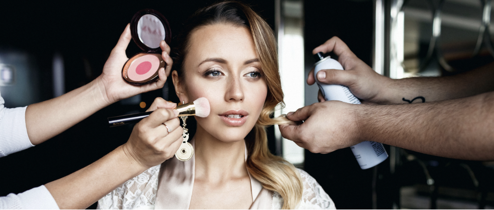 Makeup for the perfect selfie: what a bride needs to know