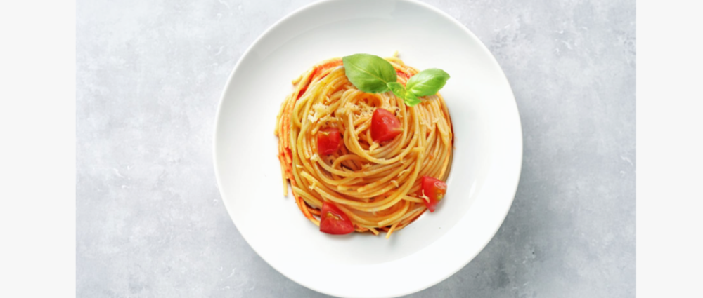 How to make spaghetti with tomatoes and basil: a Michelin chef's recipe
