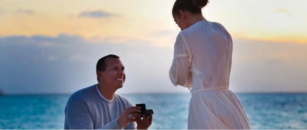 Star engagement: the most romantic marriage proposals