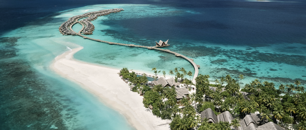 Wedding ceremony in the Maldives: an island in the ocean
