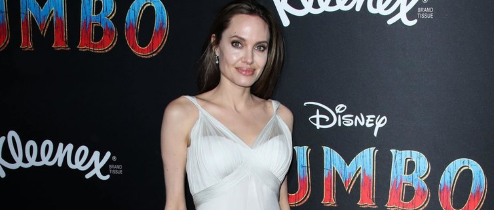 Angelina Jolie: in a white dress at the film premiere